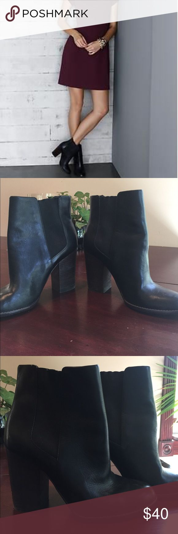 "Banana Republic Melia Chelsea boot sz 10 Great used condition. Some scuffing on wood stacked heel. 4"" heel height black leather with elastic detail. Classic boot that can be dressed up or down. Banana Republic Shoes Heeled Boots"