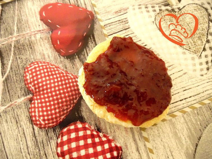 Marmellata di prugne rosse ,mele e aceto balsamico http://www.cuocaperpassione.it/ricetta/113a1f4c-9f72-6375-b10c-ff0000780917/Marmellata_di_prugne_rosse_mele_e_aceto_balsamico