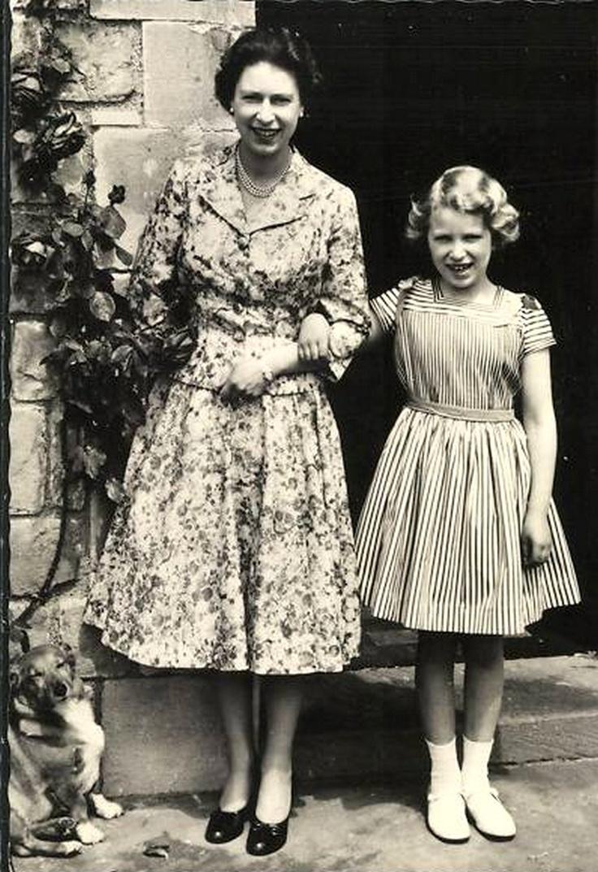 Knitting Queen Margaret Drive : Best queen elizabeth images on pinterest