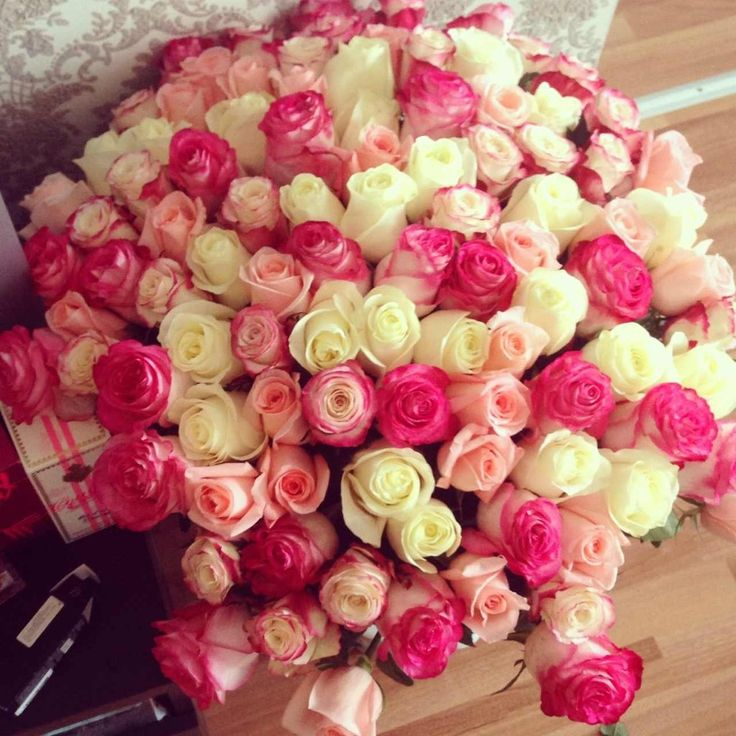 22 Awesome Big Rose Bouquets