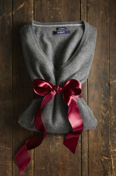 sweater tied in a bow <3