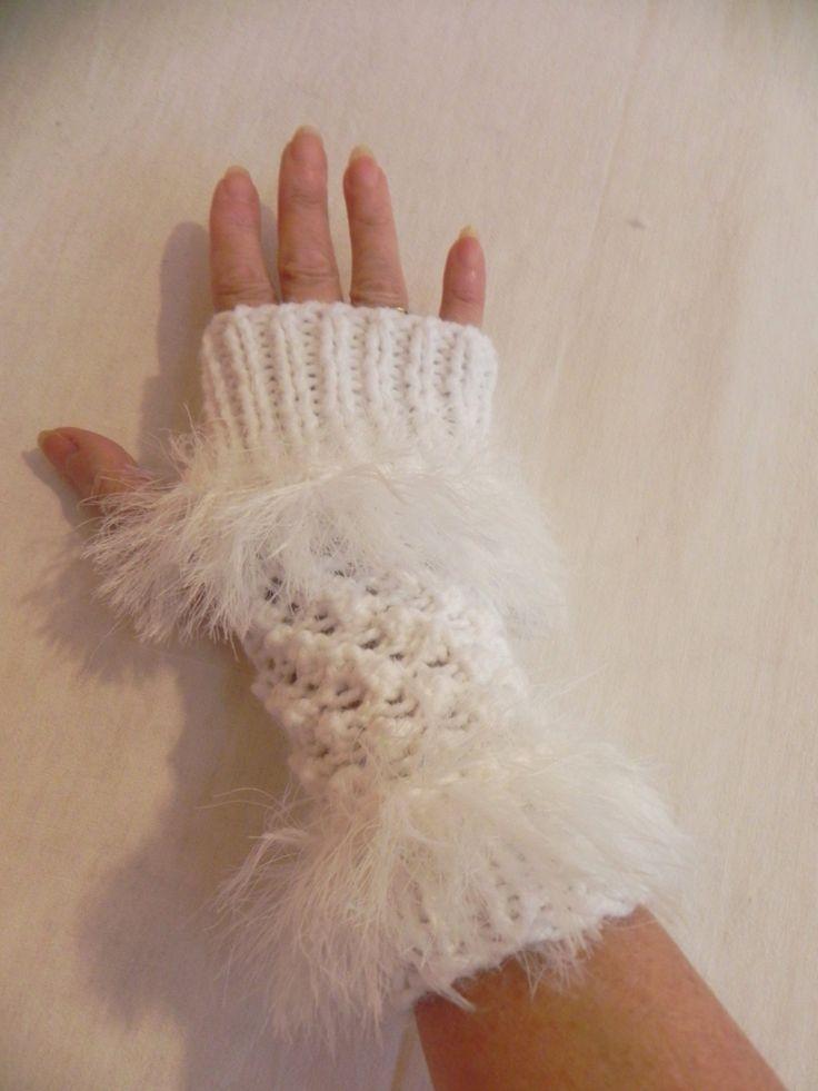 mitaine et fait main | mitaines-mitaines-en-laine-et-angora-blanche-1763367-mitaine ...