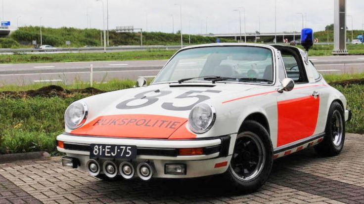 1974 'ALEX 12.85' RIJKSPOLITIE Porsche 911 Targa Dutch police car - The Dutch were was one of the few western and eastern European states that used Porsches in a highway patrol role. The Dutch police unit was called Algemene Verkeers Dienst (AVD), and this special traffic unit had its own uniforms: white instead of the usual blue, in addition to orange helmets.