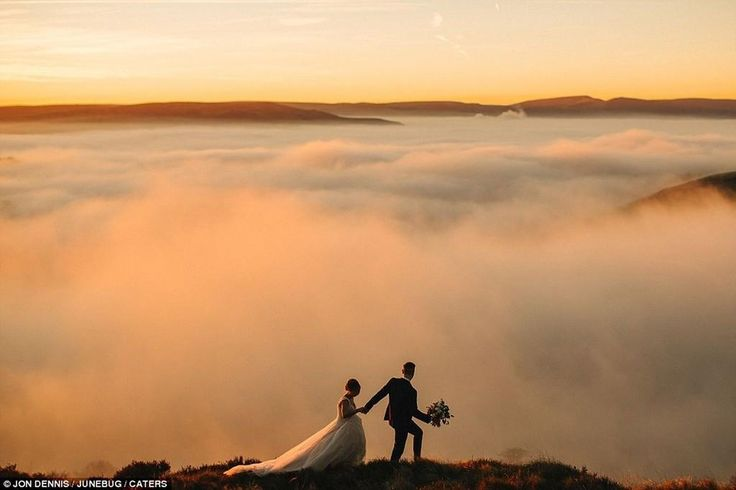 A Junebug Weddings cégcsoport minden évben meghirdeti a Legjobb Esküvői Fotók Versenyét, 2016-ban sem volt ez másképp. Káprázatos helyszínek, tökéletesen elkapott pillanatok és gyönyörű szerelmespárok: ha eddig nem volt kedve megházasodni, majd most lesz! Íme a tavalyi győztesek.