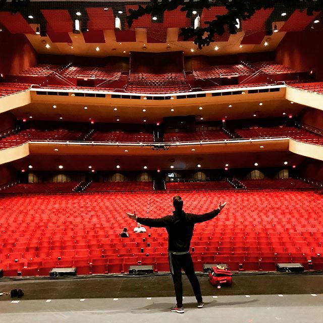 So long, San Diego! The Civic Theatre is incredible. So cool to be on the same stage that so many big names have shared. Robert Goulet, Cathy Rigby, Josh Gad, and Jesse Tyler Fergesson just to name a few of the names I found on the walls. Not to mention several of my friends, mentors and teachers. Unreal. Until next time!  #dirtydancing #dirtydancingontour  #ddontour #broadway #musicals #tour #networkstours  #tourlife #johnnycastle #ballroom #actor #dancer #singer #stage #show…