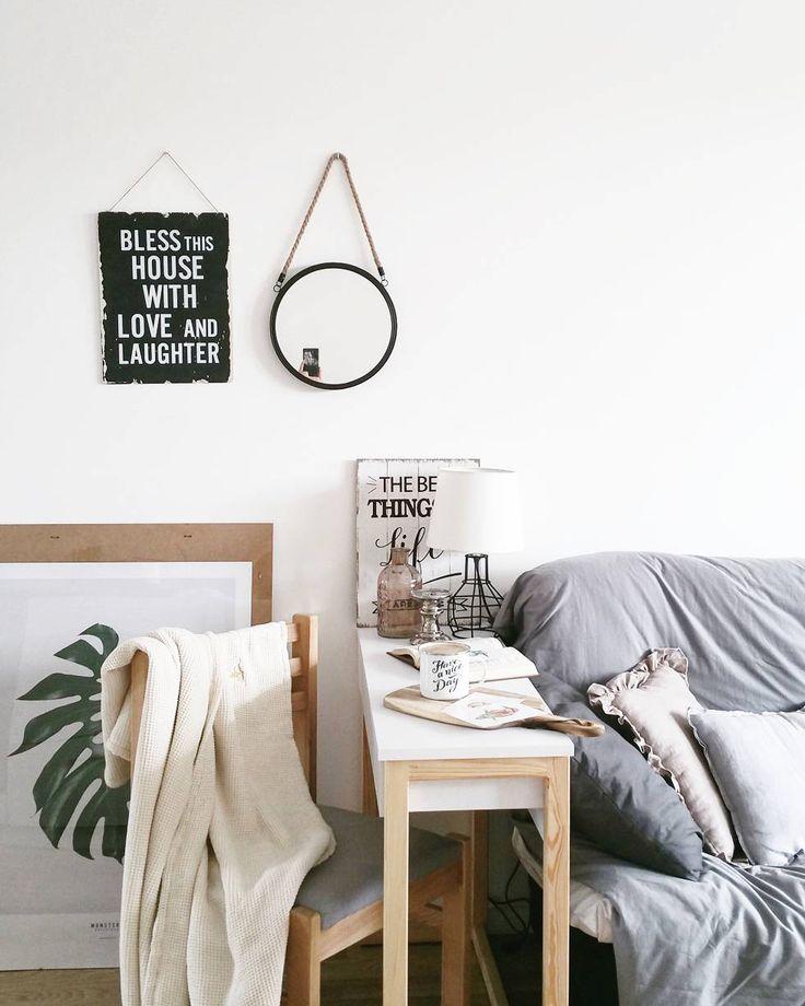 Console with drawer. Konsola z szufladą. #scandi #scandinavian #design #scandinaviandesign #minimalism #minimalizm #skandynawski #skandynawskistyl #madeinpoland #polskiprodukt foto: instagram.com/mama_z_powolania