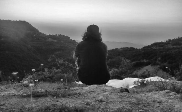 Geldiğim yerlere bakıyorum ve gideceğim yerleri hayal ediyorum.   Arnavutluk, Cacabeze