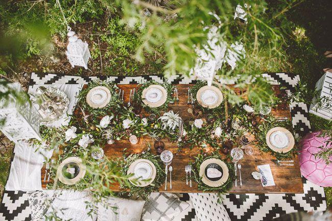 love this boho picnic tablescape for a bridal shower idea