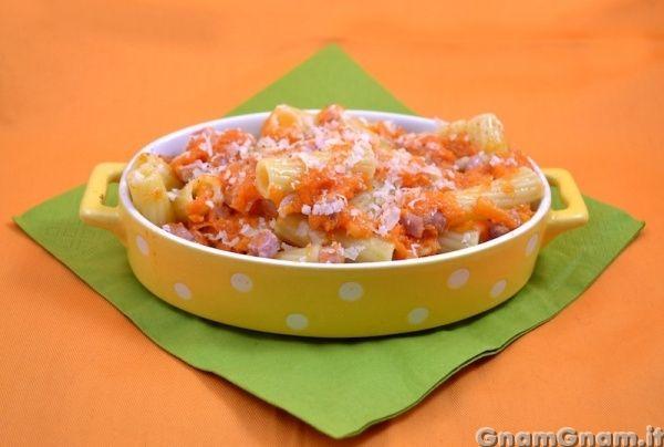 Scopri la ricetta di: Pasta con zucca e speck