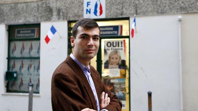 La brigade financière a retrouvé des fiches de paie comme assistant européen de Gaël Nofri, un permanent de la campagne de 2012 qui dit n'avoir jamais travaillé pour le Parlement européen. L'émission Compléments d'enquête a retrouvé ce contrat de travail.