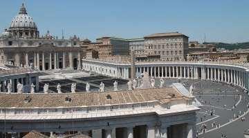 """El Papa Francisco reorganiza la Secretaría de Estado del Vaticano 20/11/2017 - 03:48 pm .- El Papa Francisco ha establecido una Tercera Sección, o departamento, de la Secretaría de Estado de la Santa Sede llamada """"Sección para el personal diplomático""""."""
