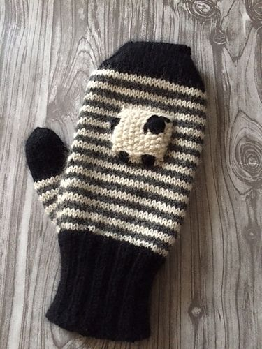 #FreePattern : Valaise Blacknose Sheep Mittens pattern by Rachel Henry