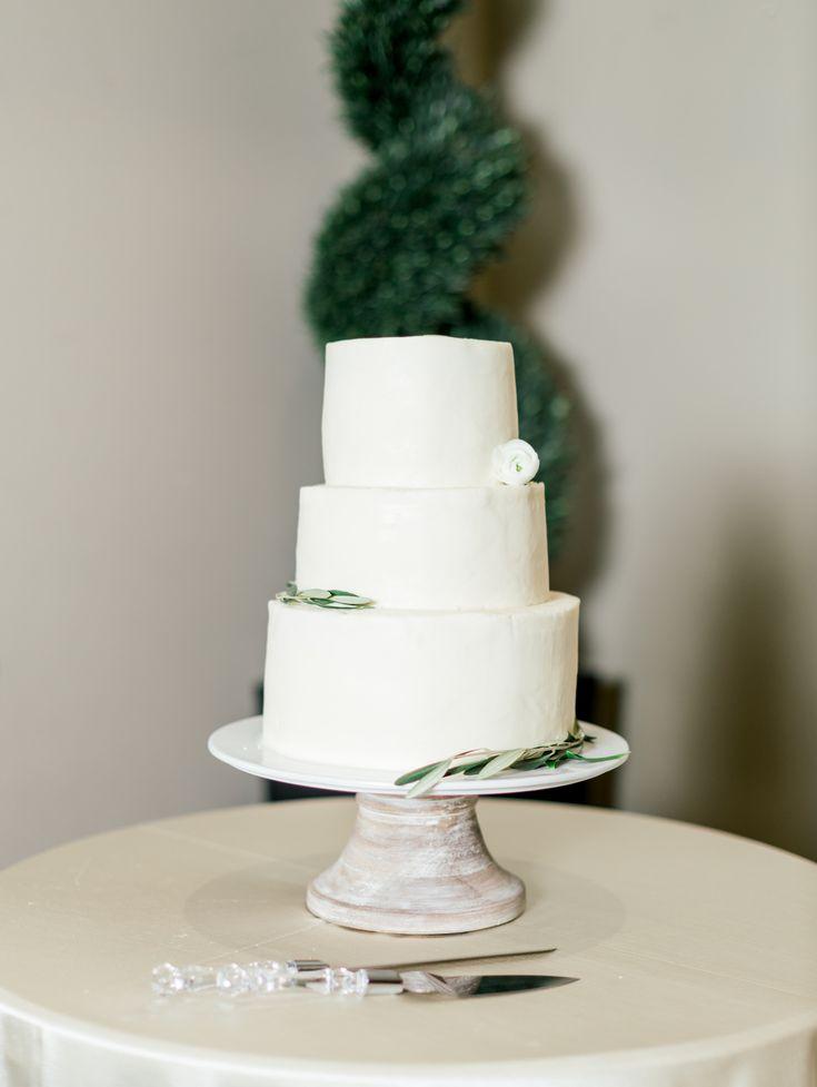 Beautifully Simple Wedding Cake Raegan Christiansen Photo Magleby S Catering Simple Wedding Cake Wedding Venues Utah Utah Weddings