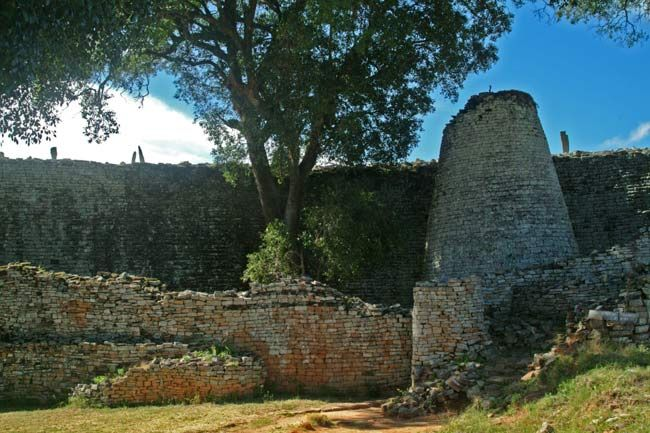 Ancient zimbabwe ruins. This is a strange place, echoes with a vibrant community long gone...