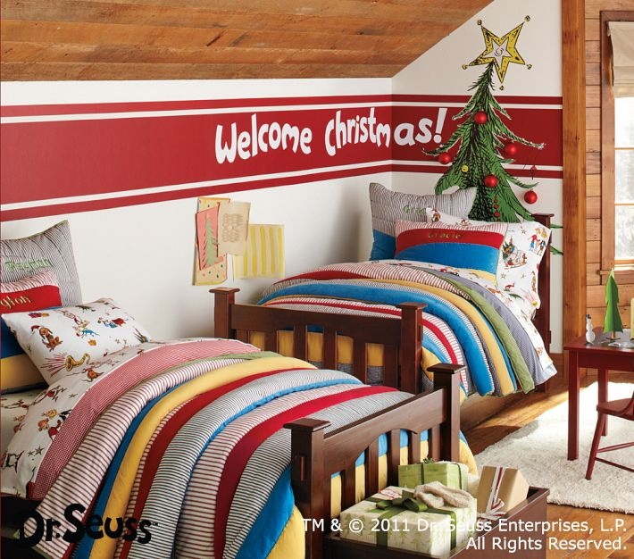 Pottery Barn grinch sheets, so adorable!Arrangements Ideas, Kids Christmas, Fun Holiday, Barns Kids, Kids Room, Flannels Sheet, Grinch Beds, Pottery Barns, Beds Arrangements