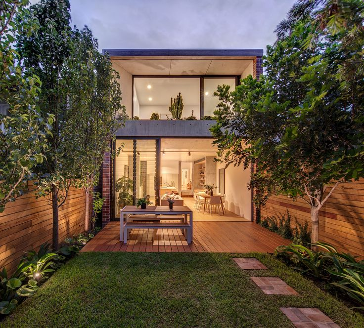 CO-AP adds contemporary concrete and glass extension to semi-detached Sydney home