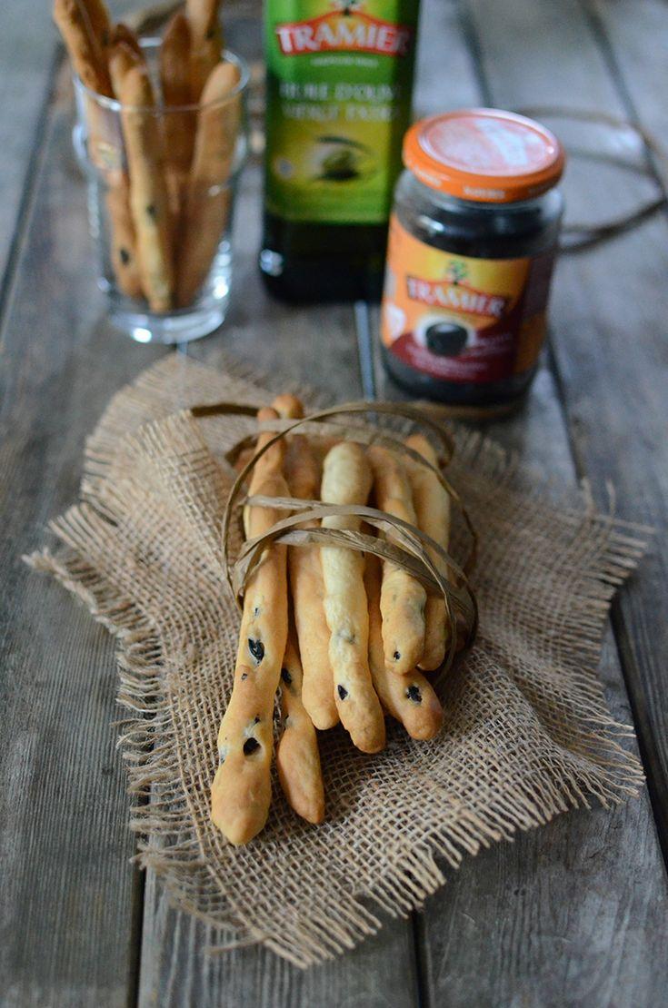 Gressins aux olives noires confites dénoyautées Tramier :-) #gressin #olives #noires #italie #apéro #apéritif #Tramier