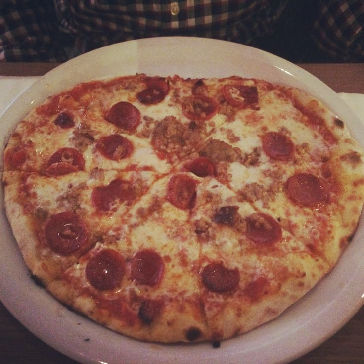 Pizza Americana at Vapiano in the Loop, Chicago