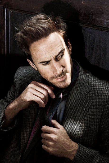 Joseph Fiennes (think I spelled his name right)