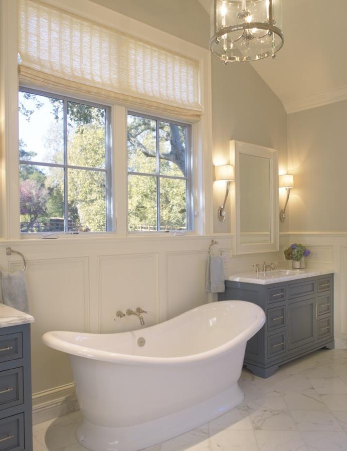 bright and airy #farmhouse #bathroom via Houzz
