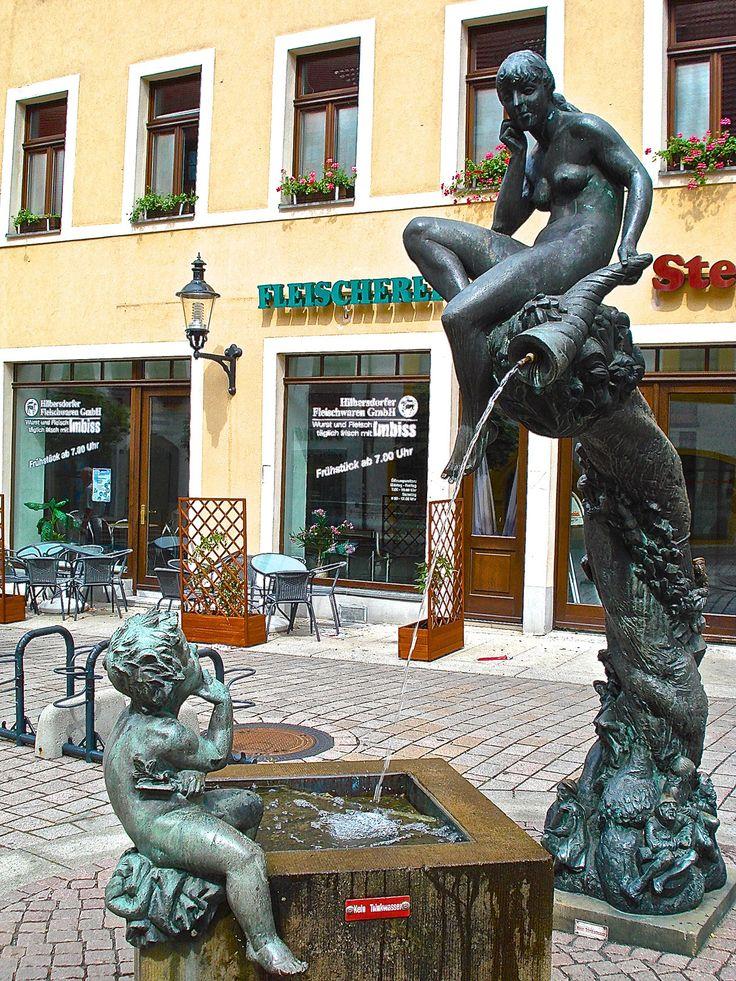 .... fontanella con gruppo bronzeo nel centro storico - Freiberg (D) - 01 lug 2007 - © foto di Umberto Garbagnati -