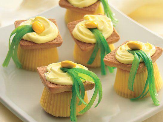 Mini Cupcakes for Graduation - QueRicaVida.com