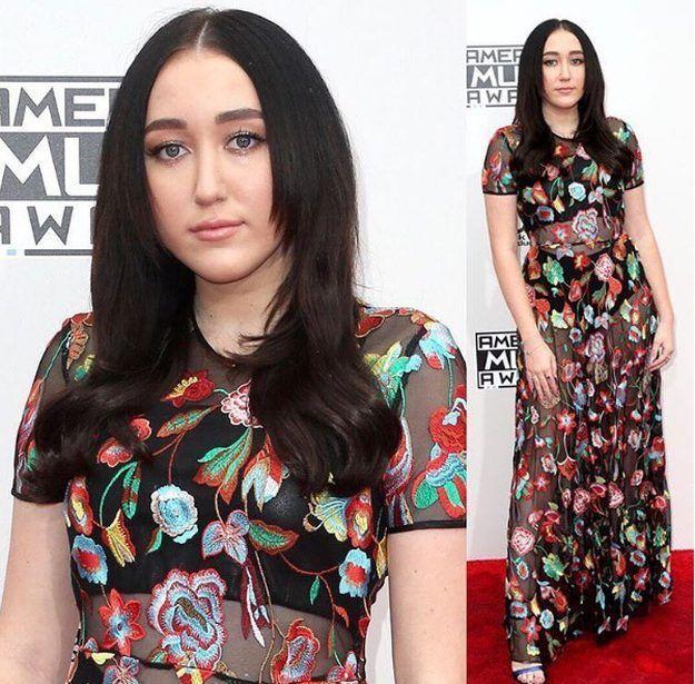 DIY Makeup Tutorials : Noah Cyrus | American Music Awards 2016: Best and Worst Makeup Look