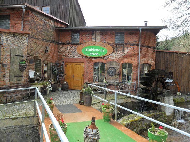 www.lokalfinder-thueringen.de/lokal/braunsteinmuehle-muehlencafe Mühlencafé der Braunsteinmühle Geraberg im Thüringer Wald