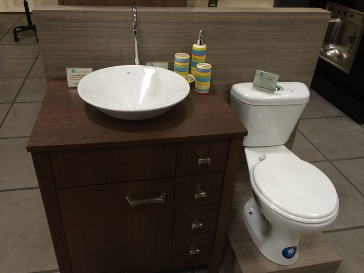 Otra idea de u moderno mueble de ba o adem s tandor - Fotos de inodoros ...