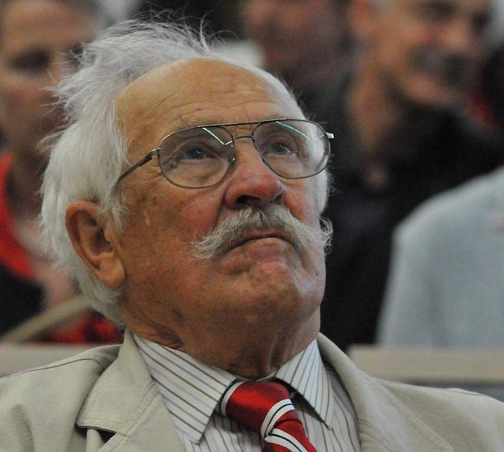 Dziś w nocy(18.09.2013) zmarł Zbigniew Majewski - pomysłodawca i twórca ośrodka pięcioboju nowoczesnego w Drzonkowie.