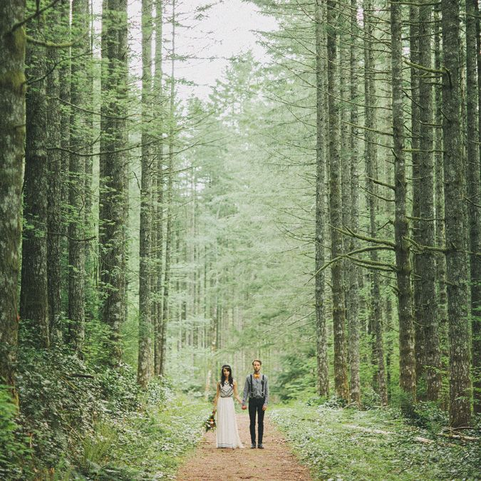 Laura and Nick nestled in nature | WHITE MagazineWHITE Magazine