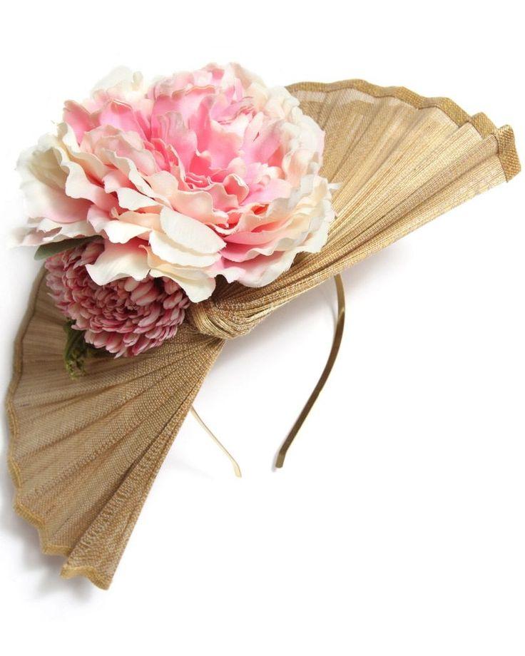 tocados beige y rosa de flores con diadema para boda evento coctel bautizo comunion fiesta graduacion de apparentia