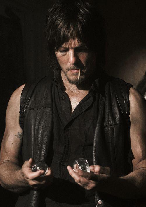 Très 1110 best Daryl Dixon/The Walking Dead images on Pinterest | Dead  HR48