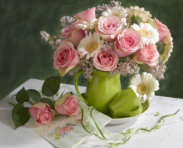 Marianna Lokshina - Bouquet of pink roses and gerberas_LMN28443.jpg