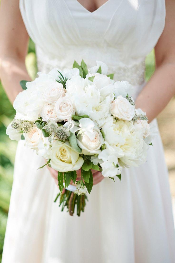 STUNNING #WEDDINGFLOWERS #WEDDINGPHOTOGRAPHER #ALEXANDERLEAMAN #WEDDING