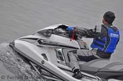 Le nuove moto d'acqua Yamaha rombano a Intra (foto)