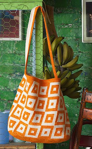 Bag Lady Pinspiration! #07 Tapestry Crochet Tote by Carol Ventura. ☀CQ #crochet…