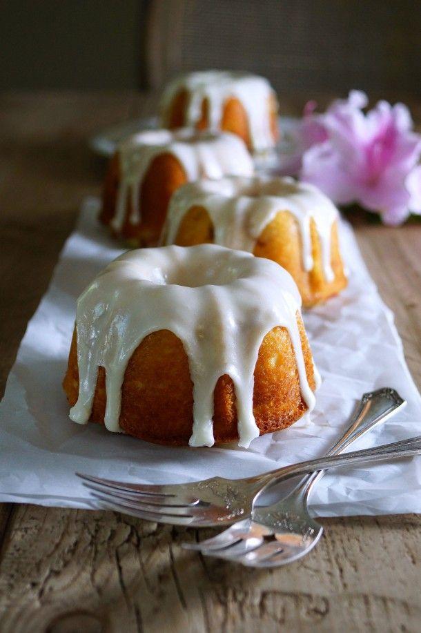 Lemon Buttermilk Rhubarb Bundt Cake / Pattys Food