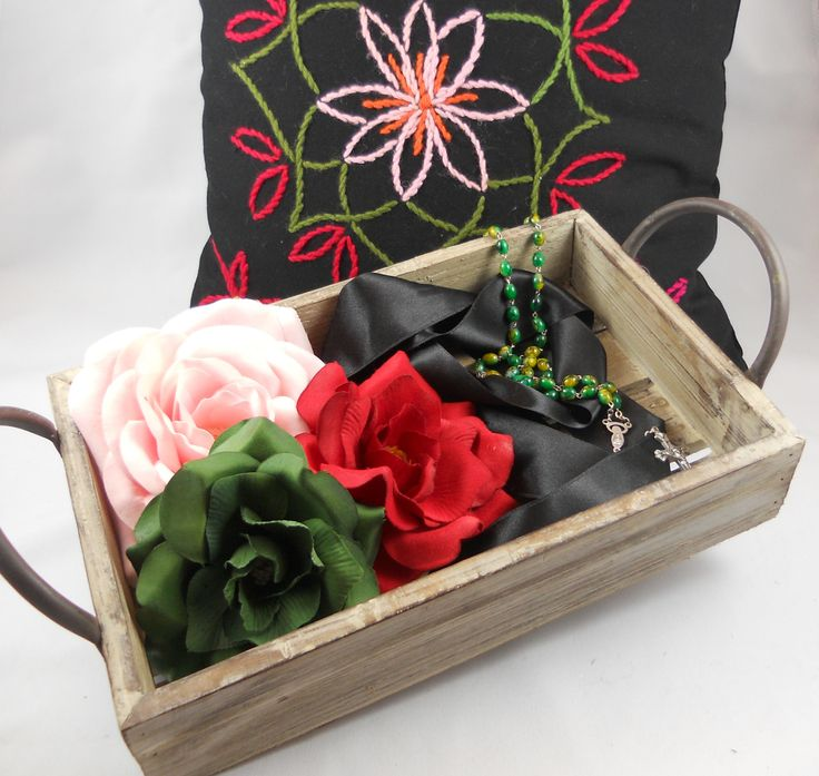 E&L by LUNDQVIST Pillow 1.299,- / Wooden box 89,- / Big rose 179,- / Wild rose 149,- / Rosary Misha 199,- All prices in DKK http://shop.e-and-l.com/