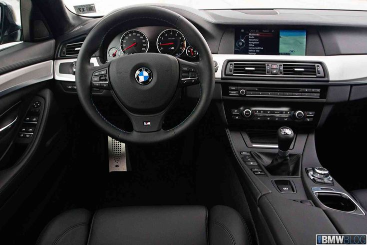 2013 BMW M5 with stick