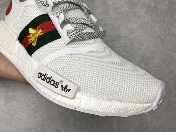2fc8c7fcdbd0 Chaussures De Course 2017 Gucci adidas nmd available 2017 New Spoet Shoes  White blanc Gold