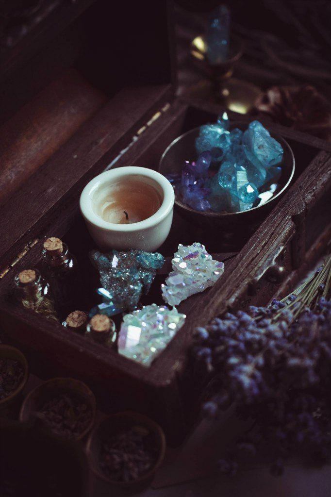 Tonight's sacred space ✨✨ https://beautycreek.etsy.com