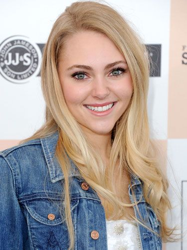 """This interview is from 2011, but I *love* ASR ❤️ """"AnnaSophia Robb Interview - AnnaSophia Robb Hair and Style Secrets - Seventeen"""""""