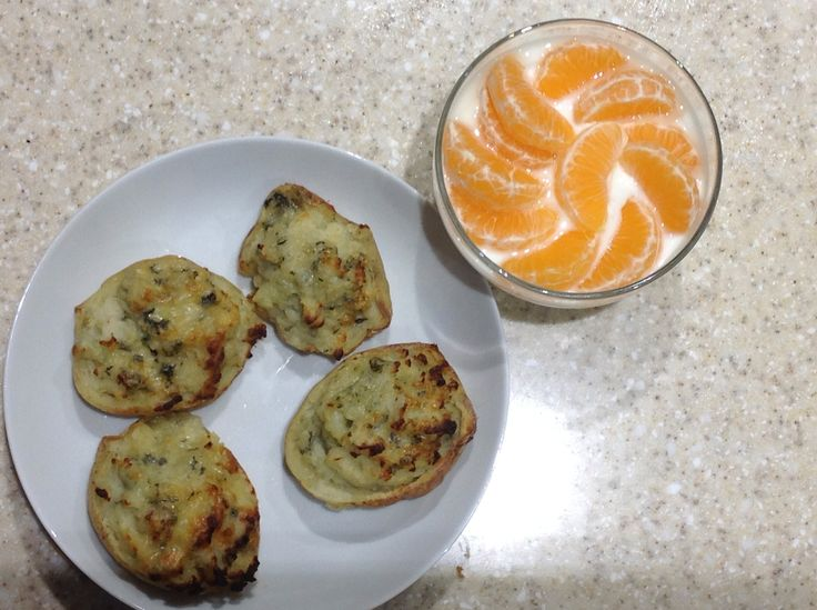 Christmas Meal Plan - Stilton jackets, clementine and yogurt for pudding