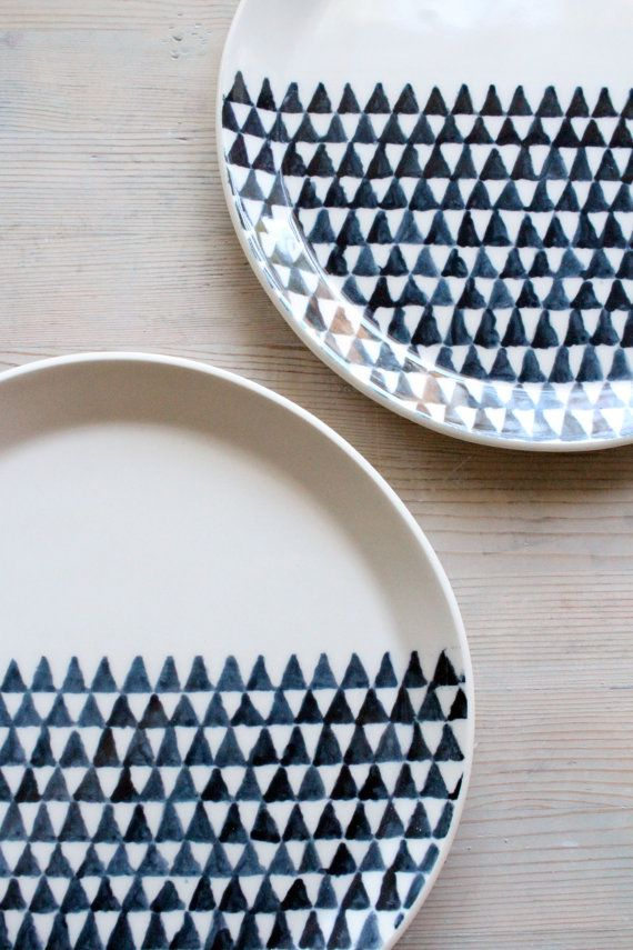 Handpainted porcelain dinnerware plates triangle screenprinted design