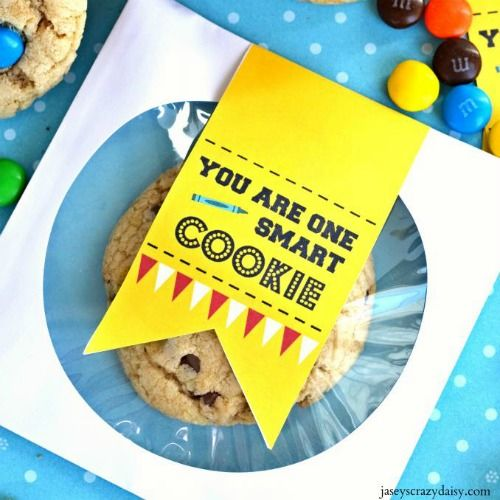 You Are One Smart Cookie from Jaseys Crazy Daisy and Creative and Easy First Day of School Snacks on Frrugal Coupon Living.