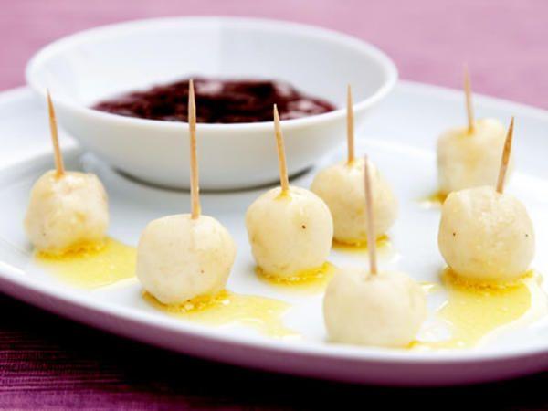 Jävligt små kroppkakor med lingon | Recept från Köket.se