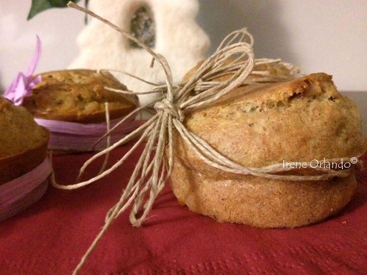 Ricetta di Panettoncini salati alle verdure http://www.iocucinoamodomio.it/panettoncini-salati-alle-verdure/