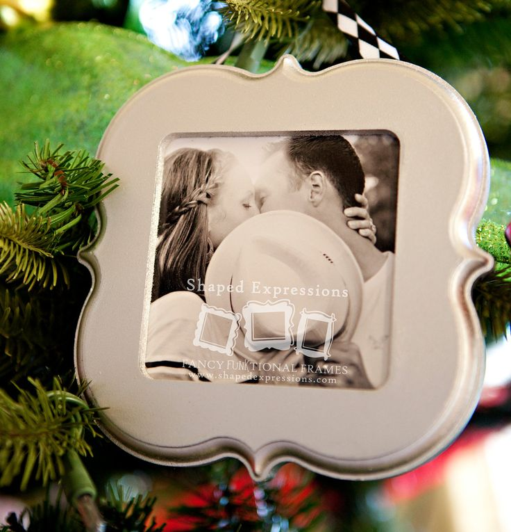 4x4 unfinished picture frame - Choose your shape - Christmas ornaments. $8.00, via Etsy.