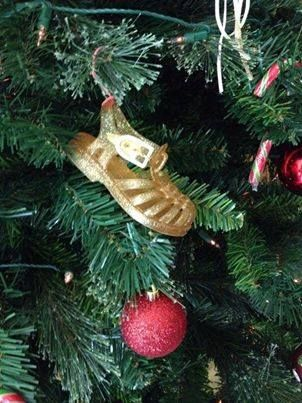 Christmas decoration idea. Baby's first shoes.